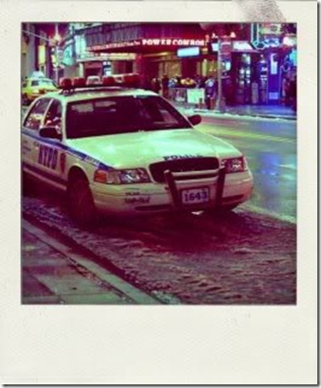 Walk_in_New_York_-_Polaroid_-_NYPD